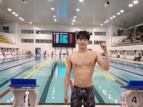 東京五輪で韓国選手団の旗手務めるファン・ソンウは競泳界期待の18歳!「メダル獲得も狙える」 スポーツソウル日本版