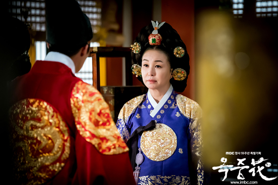 最終回『オクニョ』の本当の歴史。女帝・文定(ムンジョン)王后はなぜ ...
